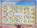 Nuevo 26 Unids Herramienta Reloj Bisel de Cristal de Nuevo Caso De Aluminio de Prensa Kit Set Fit Tamaño de 12mm a 50mm para la Reparación Del Reloj