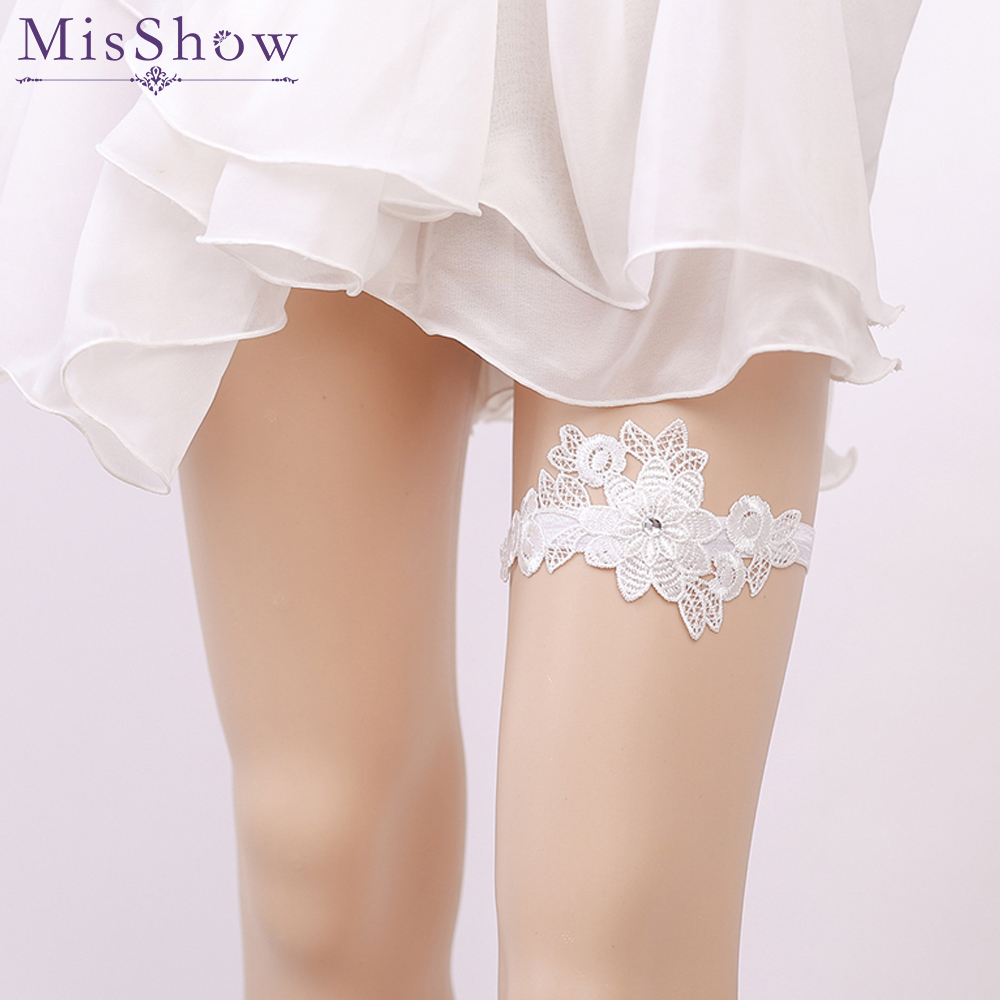 Fast Deliver Wedding Gloves 2018 Hot-selling Vintage Lace Bridal Leg Garter With Blue Rhinestones Ivory Appliques Wedding Accessories Fi034 Wedding Accessories