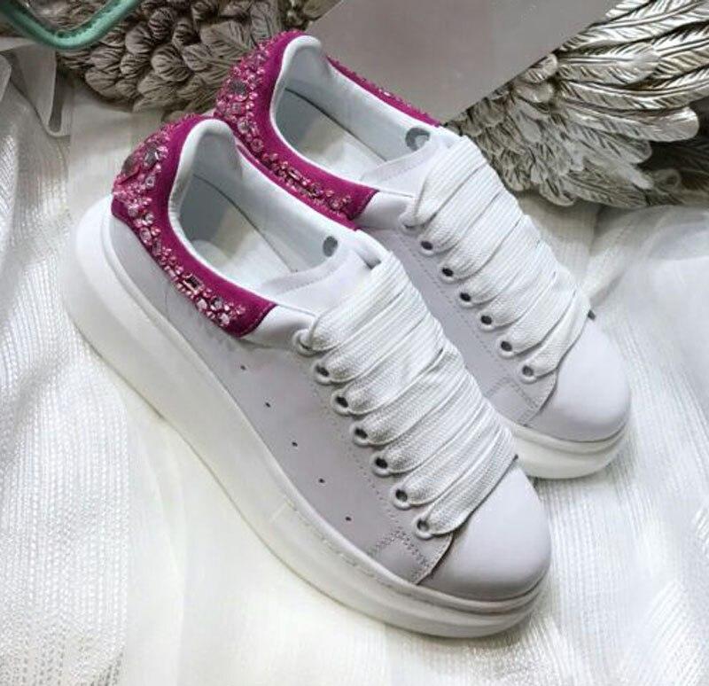 Chaussures femme Hot marque chaussures en cuir blanc femme cristal embelli bas femme baskets à lacets femme appartements chaussures à plate-forme