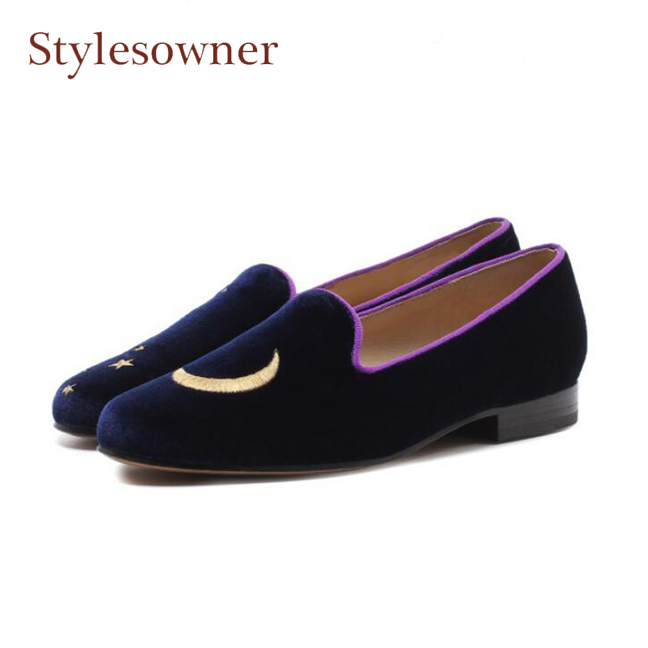 Stylesowner all match round toe retro style women shoes luxury velvet embroidered casual shoes moon star decor cozy women shoes цена 2017