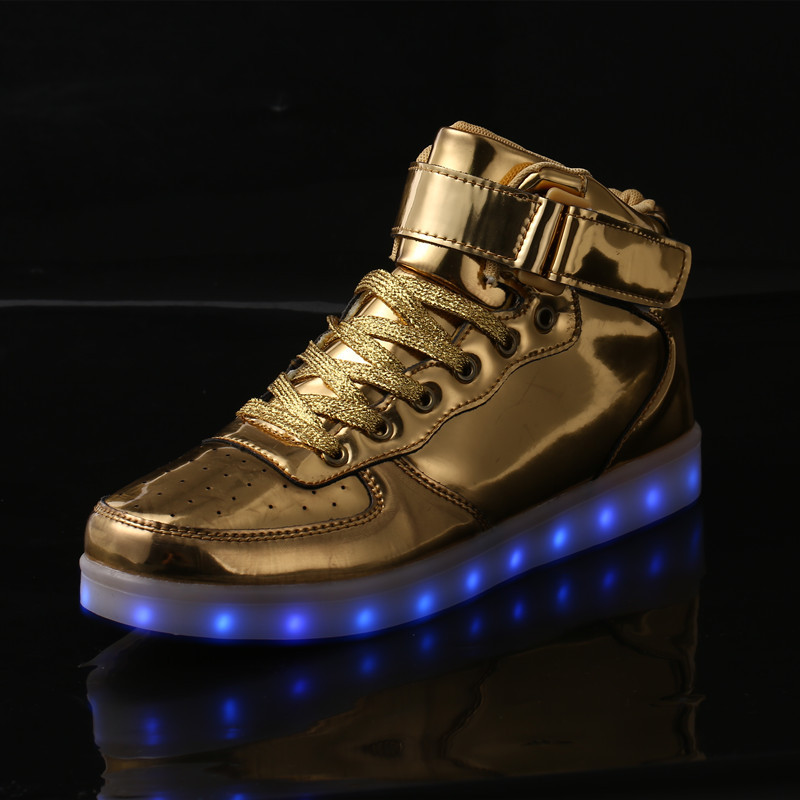 купить New Style LED Light Shoes USB Charge Gold and Silver Color High-cut Leisure Light Up Shoes Men and Women Pu Surface Sneakers по цене 1621.66 рублей