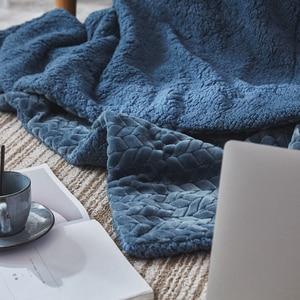 Image 4 - Neue Ankunft Super Weichen, Flauschigen Geprägt Sherpa Fleece Decke Nerz Werfen Dicke Warme Sofa Plaid Herbst Winter Decken Auf Die bett