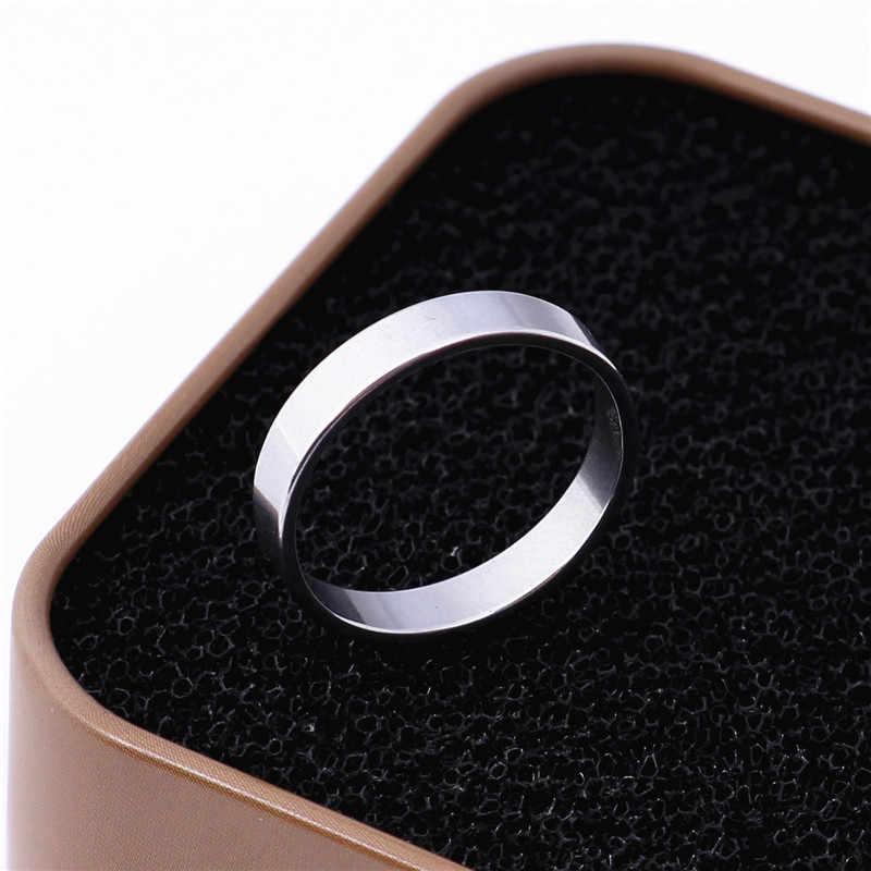 4มิลลิเมตรพังก์ร็อกสไตล์สีเงินแหวนบุรุษสตรีแฟชั่นก้อนนิ้วBlingแหวนเหล็กไทเทเนียม