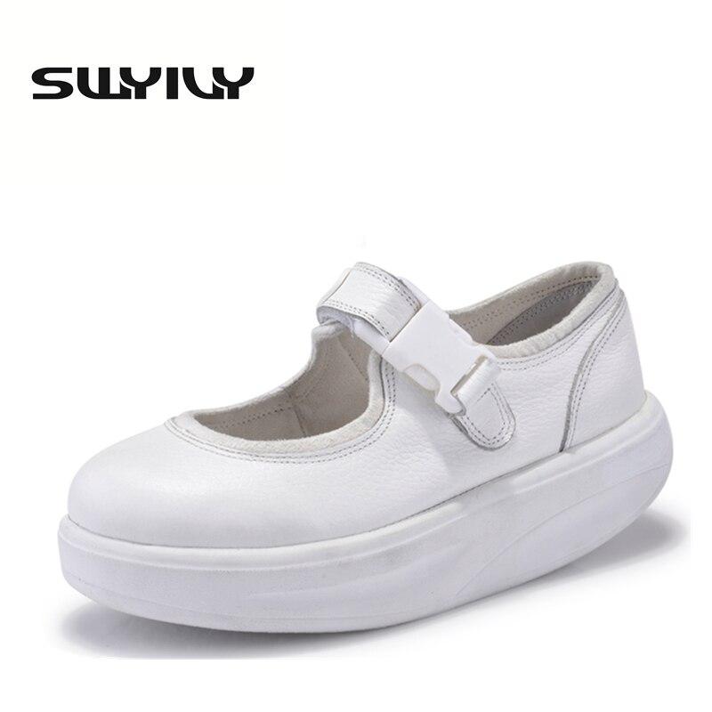 本革4.5センチ女性スイング靴厚い靴底ウェッジトーニング靴ひも痩身女性スニーカー白いナースシューズ  グループ上の スポーツ & エンターテイメント からの トーニングシューズ の中 1