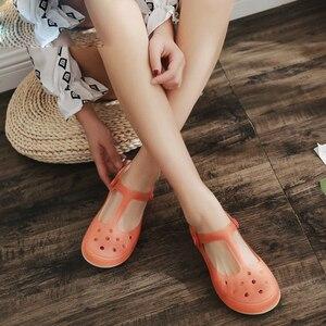 Image 2 - 夏の女性のミュール下駄ビーチ通気性メアリージェーンズ甘いスリッパ女性のサンダルゼリーの靴かわいい庭の靴のための女性