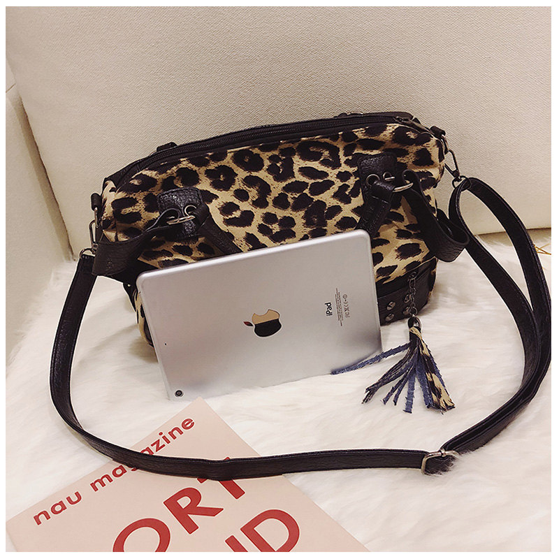 5c759a482246 Leopard Totes Handbags Women Velour Shoulder Bags Rivet Fashion 2018 ...