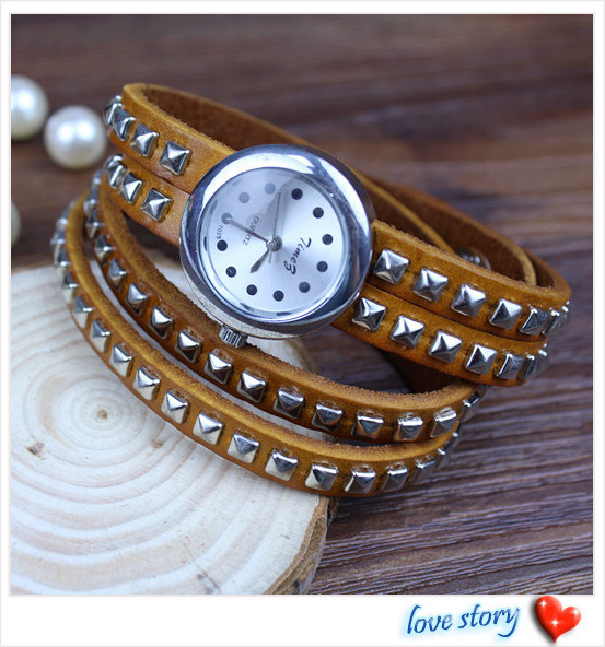 2013 hot wholesale Cow leather watches women watches Rivet design retro-style Adjustable strap Long strap Free Shipping T-025C