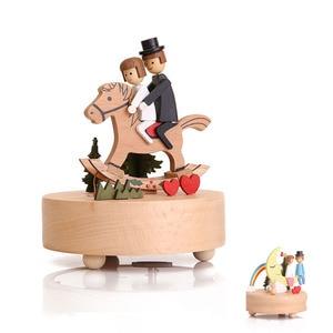 Image 1 - Nuovo Carousel Music Box di Legno Mestieri di Base di Music Box Retro Della Decorazione Della Casa di san Valentino Creativo Regalo Di Compleanno Scatola