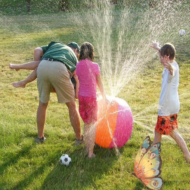 Crianças QUENTES de Verão Inflável Bola De Aspersão De Água Do Esporte Ao Ar Livre Piscina Festa Toy Kids Jogar Água Brinquedo Inflado Bolas Brinquedos Jogo
