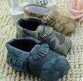 Nuevo camuflaje fresco suave Cuero de LA PU suede Mocasines Bebé arco franja niños toddler shoes barato a granel primer caminante zapatos ws004