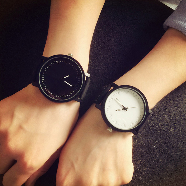 New Couple Watch Women Men Simple Fashion Casual Leather Band Quartz Wristwatches Female Male Clocks Unisex Watches For Lovers