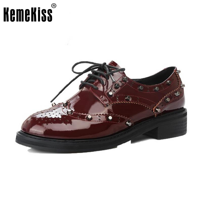 ФОТО Female Real Leather Flats Shoes Women Round Toe Patent Leather Cross Strap Flat Hallow Out Rivets Student Footwear Size 33-39