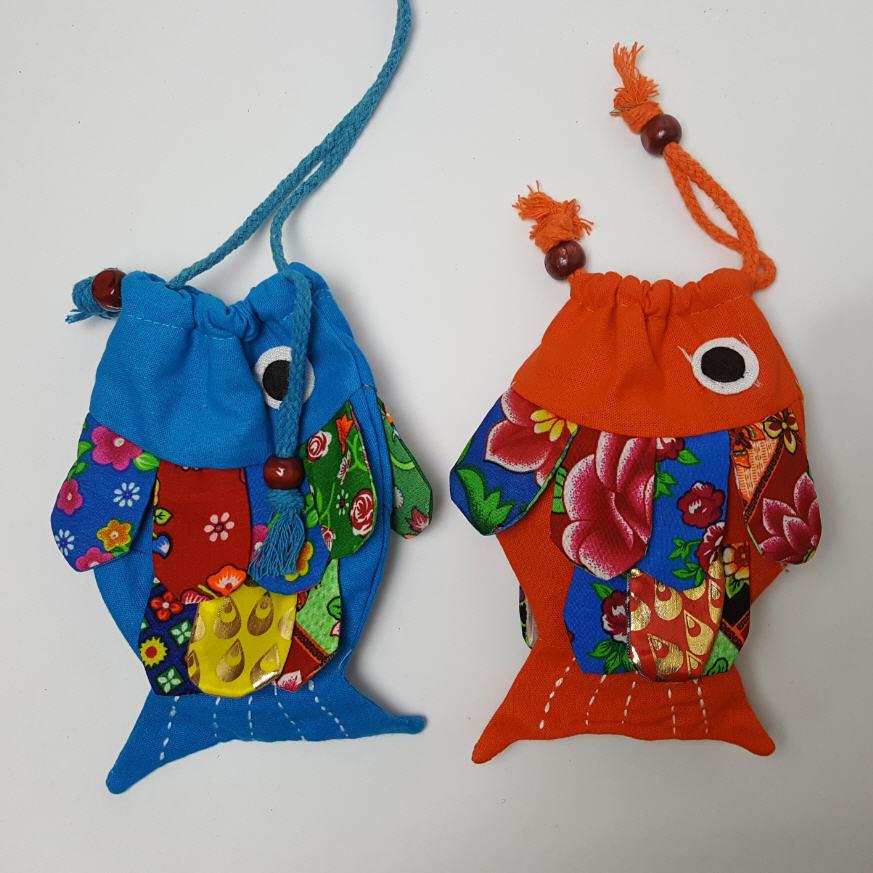 15cm Cute ethnic handmade Fish small bag mini coin purse portable pouch childrens messenger bags