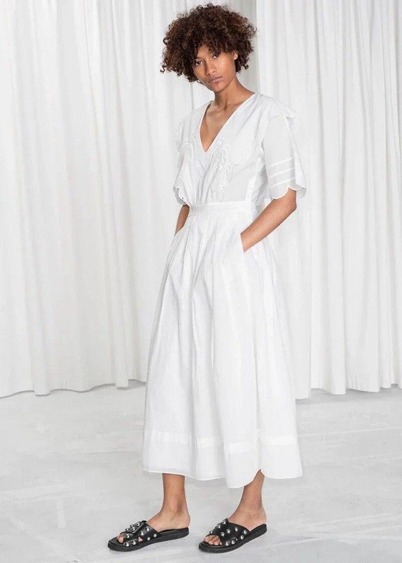 Kadın Giyim'ten Elbiseler'de 2019 Yeni Kadın Pamuk Beyaz uzun elbise Kısa Kollu Nakış Fırfır Yaz Taze Midi Elbise'da  Grup 1