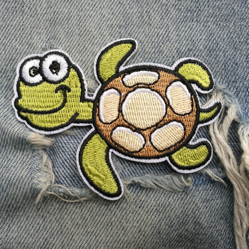 1 PIC 7.9*6.2CM Embroidery Sea Turtle STICKER Can Iron Clothes Decorative Applique Smoke Holes Bed Sheets Table Cloths Patches