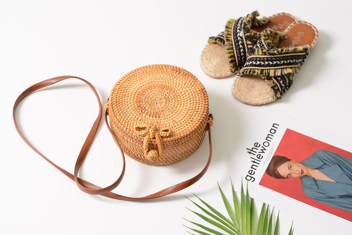 Bali Island Hand Woven Bag Round Bag buckle Rattan  Straw Bags Satchel Wind Bohemia Beach Circle Bag 3