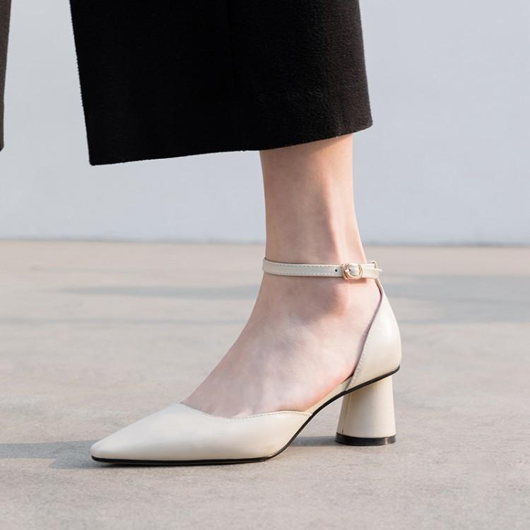 Mujer Baja Extraño Dedo blanco De Gladiadores Zapatos Poinetd Altos Pie Verano Tacón Los Negro Del Tacones Mujeres Moda Carta Hebilla a7qPCP