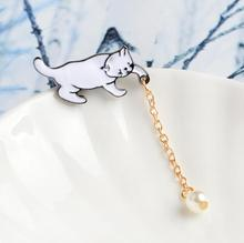 Cute Little Pins Cat with Pearl