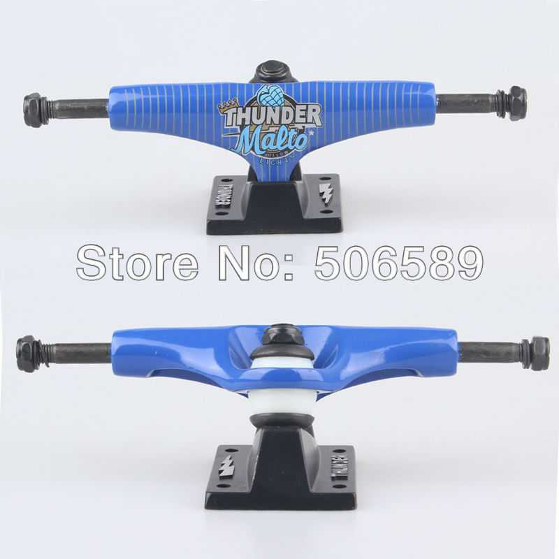 Livraison gratuite skateboard camion tonnerre 5.0 pouces couleur bleue