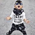2016 Otoño Primavera Ropa Infantil Ropa de Bebé Establece Carta modelo de la Impresión de Algodón de Manga Larga 2 unids Ropa Del Bebé