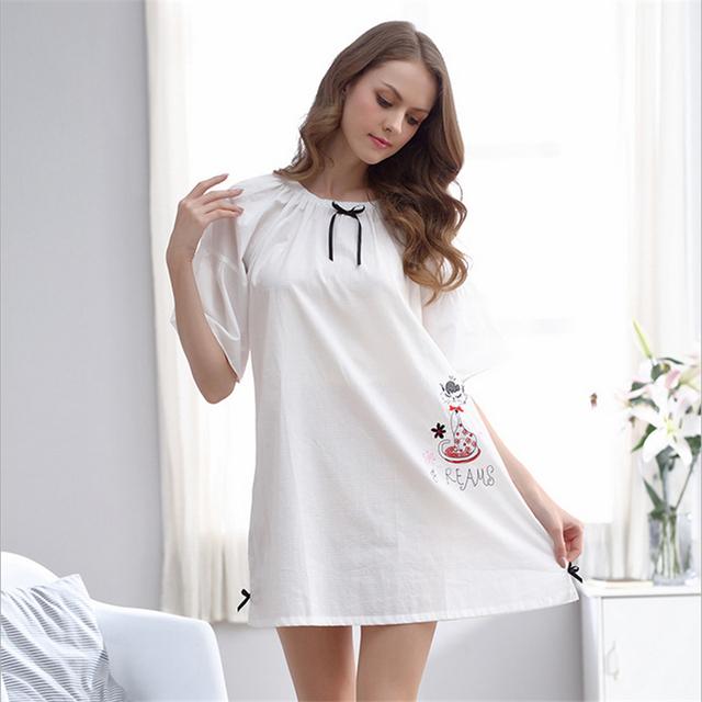 Novo Tecido de algodão Camisolas das mulheres de verão de manga Curta fina Acima Do Joelho, Mini saia branca Sólida Simples serviço de Casa