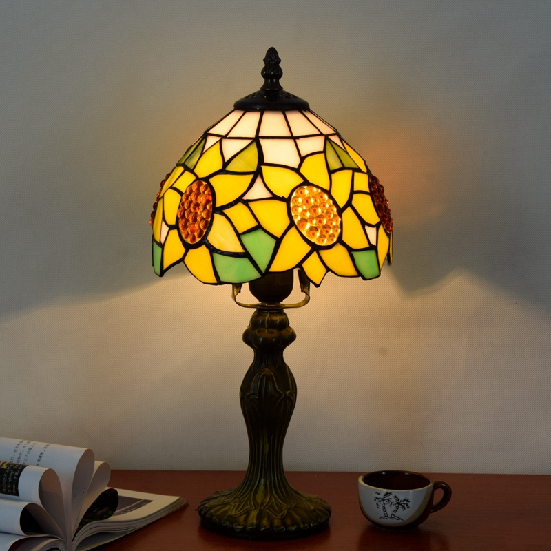 Originality color glass Yellow sunflower desk lamp American Pastoral countryside Warm colors Decorative light 110-240V Dia:20CM originality stained glass garden flower desk lamp american pastoral countryside hotel barbedside led lamp 110 240v dia 20cm