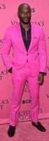 Последние конструкции пальто брюки ярко розовый платок с лацканами Для мужчин Костюмы slim fit пользовательские жениха Пром смокинг 2 шт. Blaze