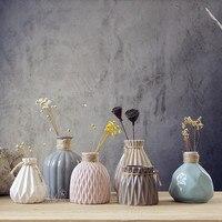 Small Ceramic Vase Creative Fashion Abstract Modern Simple Porcelain Flower Vase Decorative Tabletop Vase Decoration Ornaments