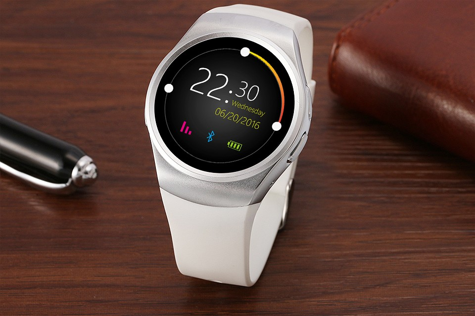 Sports Bluetooth Smart Watch with Heart Rate Monitor