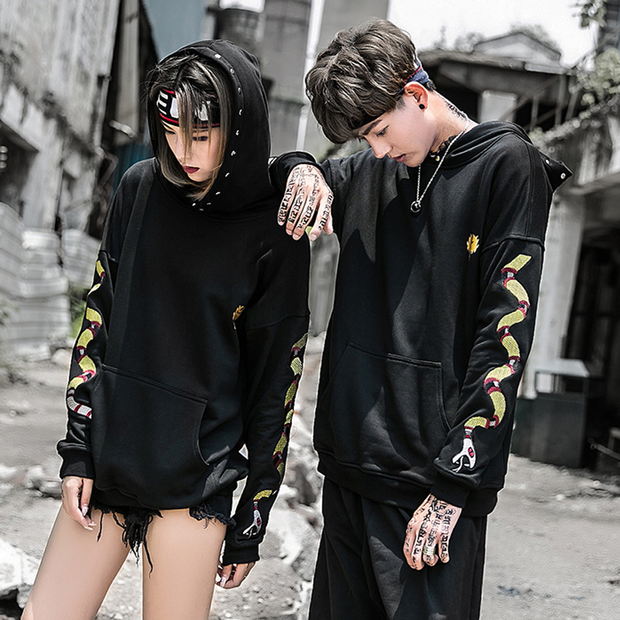Punk Style Black Hoodies Men Lover's Fashion Design Snake Embroidered Gold Letter Print Hip Hop Jumper Sweatshirts with Hood