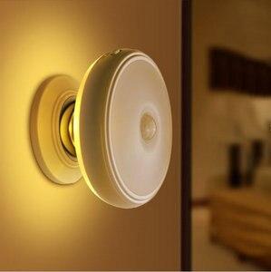 Image 1 - Recargable de Movimiento Activado Sensor de Luz LED USB Luz de La Noche con Magnético, seguro para Los Niños, ideal para Interiores, armario, escaleras, B