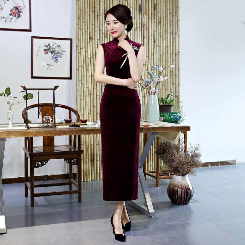 Chinese National Women Qipao Sexy Sleeveless Velvet Stage Show Cheongsam Elegant Floral Long Slim Dress Vintage