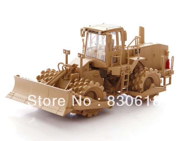 Norscot 1/50 CAT Military 815F Soil Compactor NRS55254 Original packing Construction vehicles toy ndefo okigbo the mechanics of construction soil