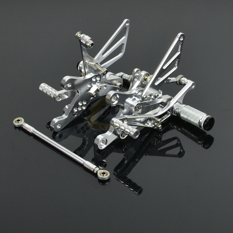 CNC Adjustable Motorcycle Billet Foot Pegs Pedals Rest Footpegs For YAMAHA YZF R1 2004-2006 04 05 06 Motorbike