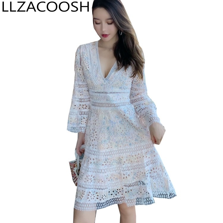 High quality 2019 New arrive embroidery lace V Neck dress Flare Sleeve Runway Chic Dress