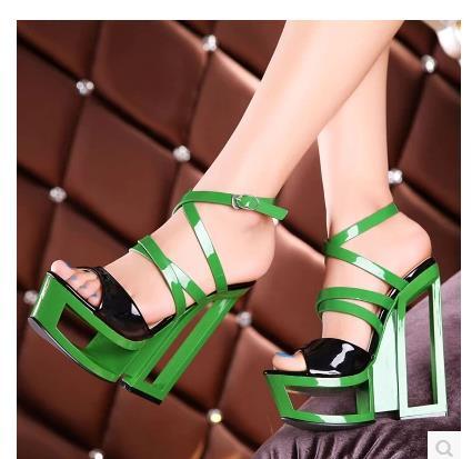 Fretwork Talons Mode Chaussures Vert Sandales Femme Plate-Forme Talons Cool 16 cm Carré Talon Découpes Cheville Boucles Peep Toe Haute talons
