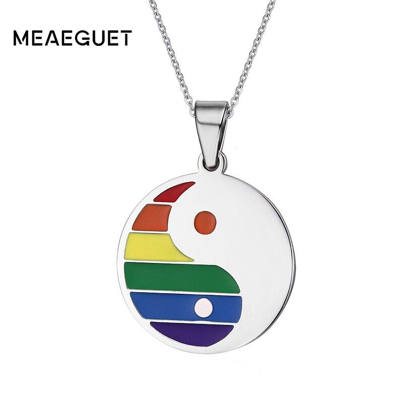 ce8e0e2e28d5 Meaeguet Orgullo Gay de los hombres de la moda es Tai Chi Bagua Arco Iris  colgante de joyas de collares de acero inoxidable redondo colgantes de  etiqueta
