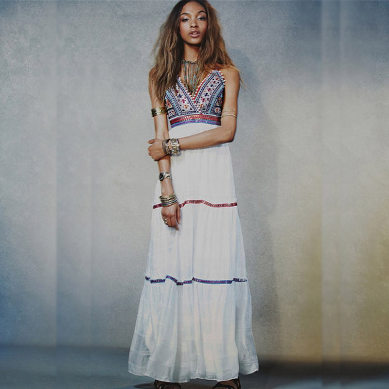 139dc54a440 2016 Summer Women Embroidery Hippie Boho Party White Beach Dress Long Maxi  Dress-in Dresses from Women s Clothing on Aliexpress.com