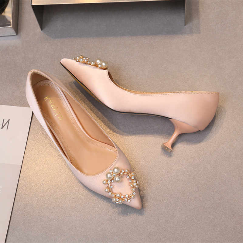 New Pearl High - heeled Wedding Shoes Women s Pointed Fine - heeled Satin Wedding  Shoes Red 0f09e52bec8a