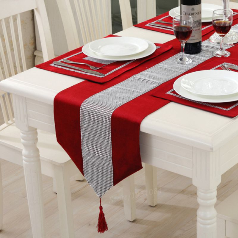 European style luxury flannel diamond red table runner for House decoration products