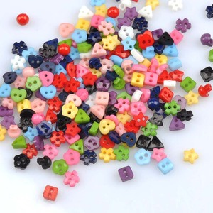 Wholesale 200pc Multi 6mm Round Resin Mini Buttons Craft Sewing Accessories Embellishments BUTTON Scrapbooking DIY Tools mt0988