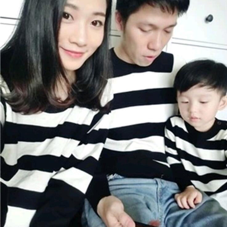 Family Matching Clothes Striped Father Mother Childrens Sweaters Clothing  Parent-Child Style Set TD