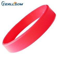 YERLLSOM 100 pz/lotto di Alta Qualità Rosso, nero, rosa, orange,blu Gomma di Silicone Braccialetti Braccialetti Per Eventi B041507