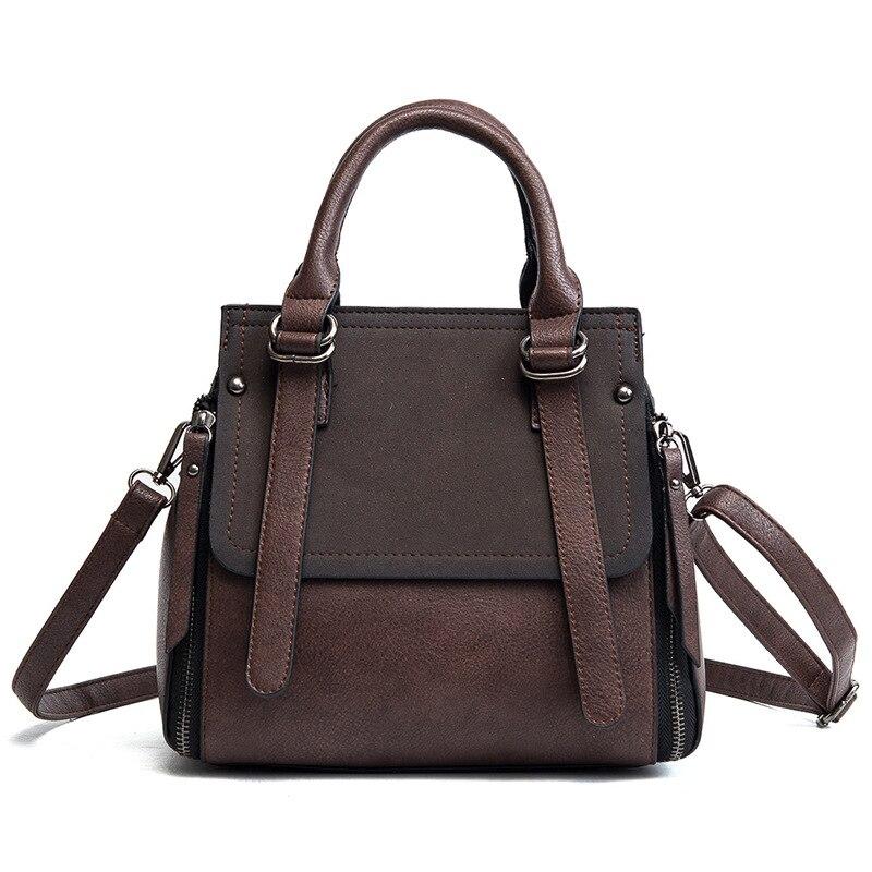 Female handbag 2018 Winter New handbags Korean Wild Portable Fashion Large capacity Shoulder Messenger Retro bag