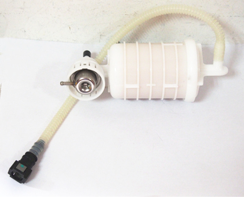 Fuel Filter With Pressure Regulator 16146766158 Fits For BMW E83 X3 # 09206023001