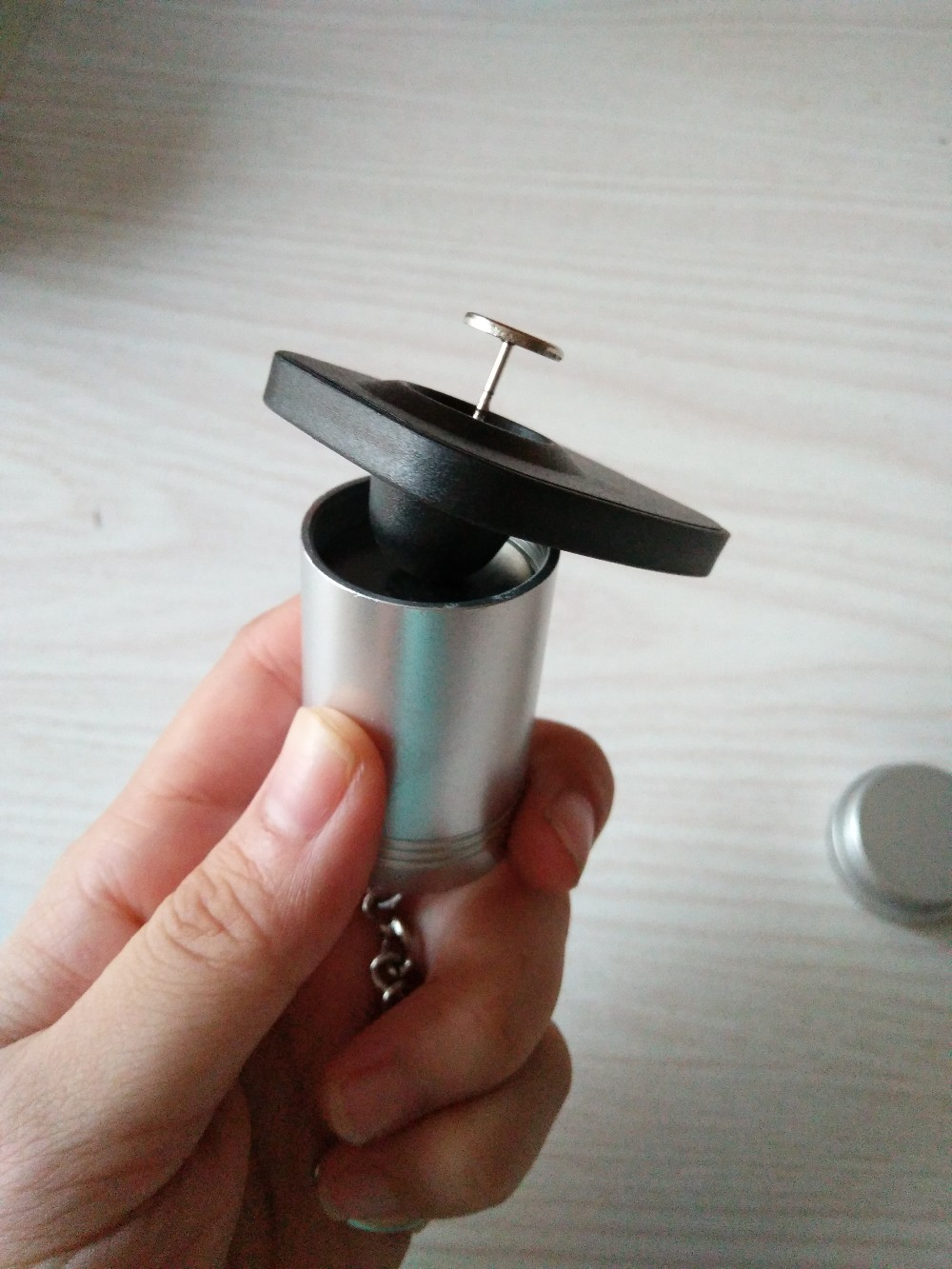 Portable magnet detacher key 12000gs Magnetic portable Bullet EAS Tag Detacher for Security Tag Hook Mini tag remover