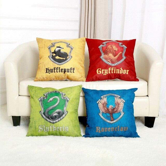 bf6619b32ab7 Vintage Harry Potter 4 Domy Logo Symbol Domu Sofa Poduszki Dekoracyjne  Pokrywy Prostokąt Gryffindor Ravenclaw Samochodów