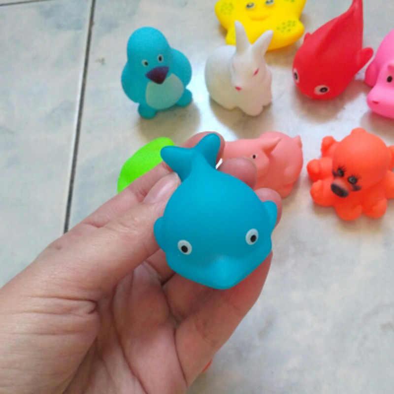 13 個混合動物水泳水のおもちゃカラフルなソフトフローティングゴム鴨スクイズサウンドきしむお風呂のおもちゃのためのおもちゃ