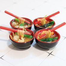2 STUKS 1/6 Schaal Miniatuur Noedels met Eetstokjes Pretend Voedsel voor poppenhuis Keuken voor barbies blyth bjd pop voor kinderen