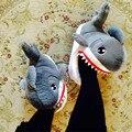 Горячая 2016 Наиболее Личности Акулы Домашние Тапочки Женщины Мужчины Хлопок Теплый Короткие Плюшевые Тапочки Крытый Pantufa Средний Размер Подходит для 35-42